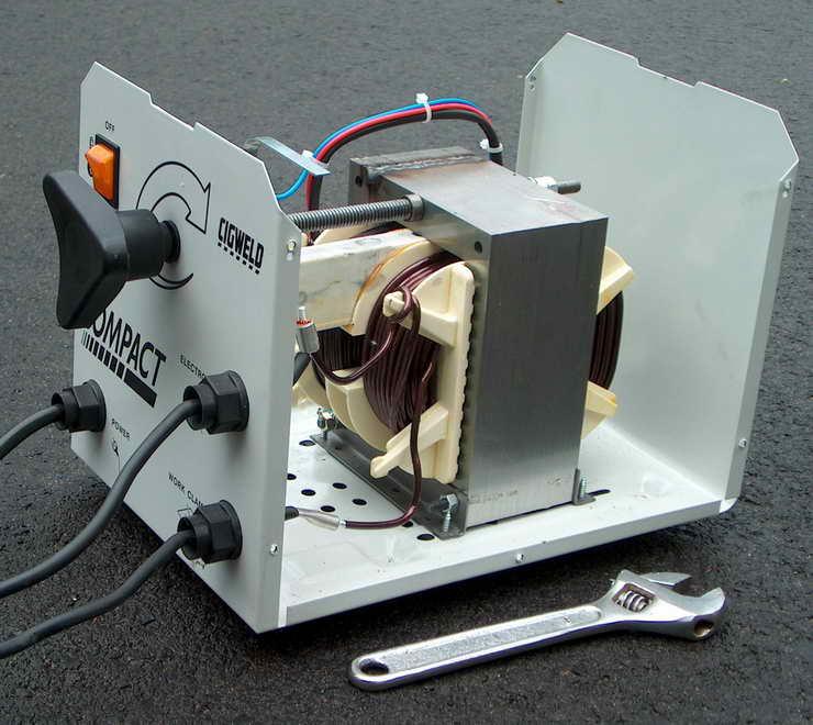 Установка трансформатора в корпус