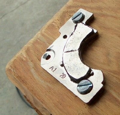 Самодельный магнитный угольник из жесткого диска