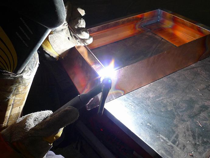 welding-copper-range-hood